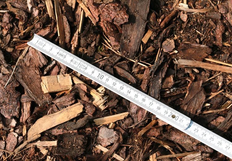 Kiefernmulch 70-Liter-Sack Körnung 10 – 40 mm